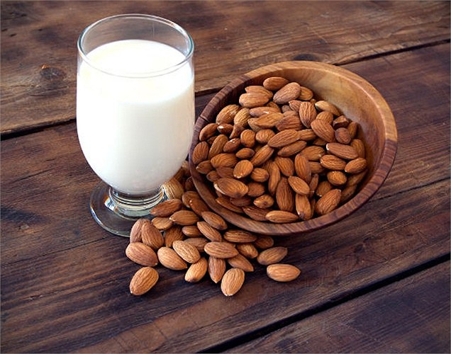 Sữa hạnh nhân
