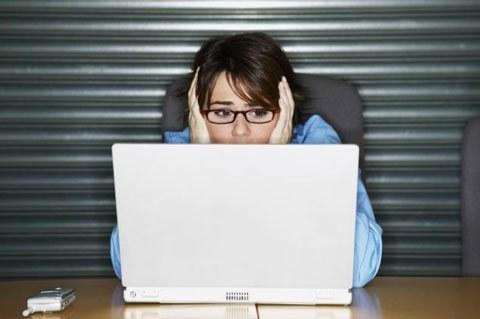 bài tập thể dục đơn giản cho đôi mắt của những người thường xuyên phải ngồi trước màn hình máy tính.