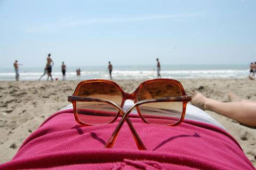 bảo vệ mắt trong mùa hè