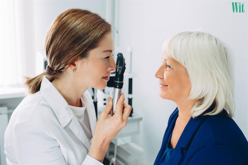 chẩn đoán đau hốc mắt